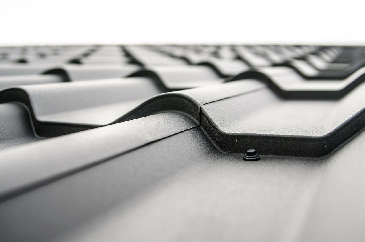 Na co zwrócić uwagę wybierając membranę dachową?