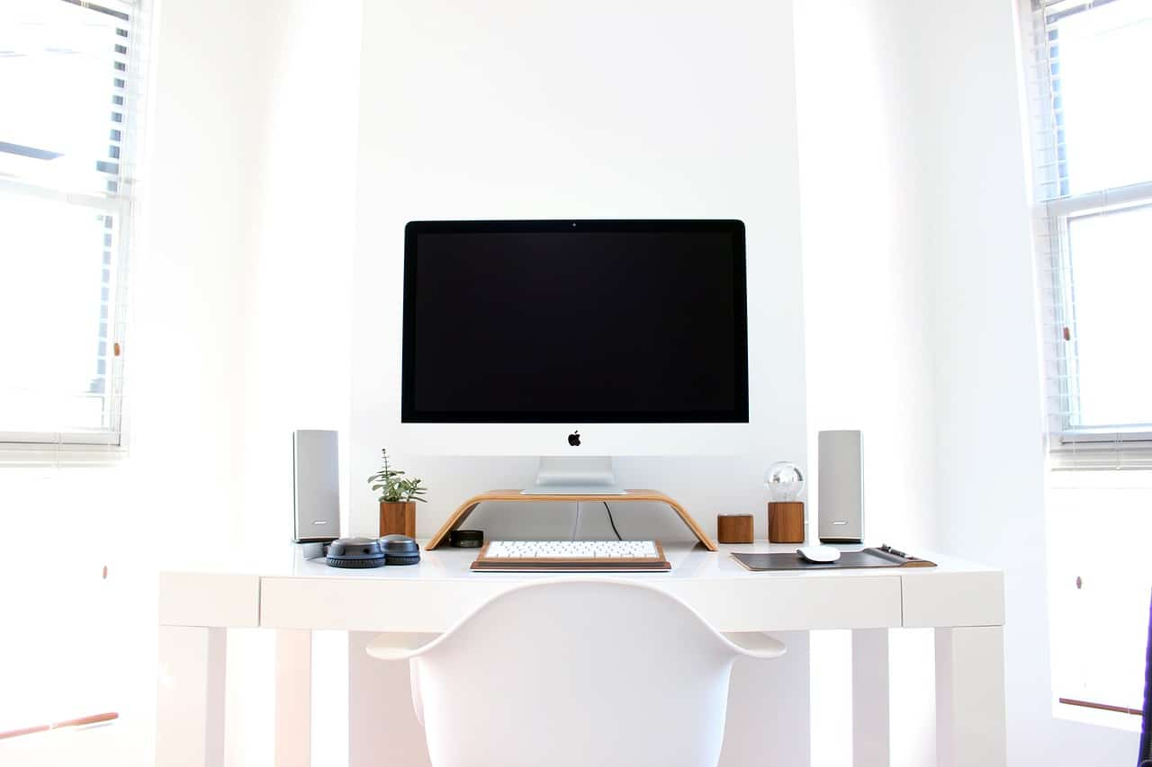 Białe krzesło fiord