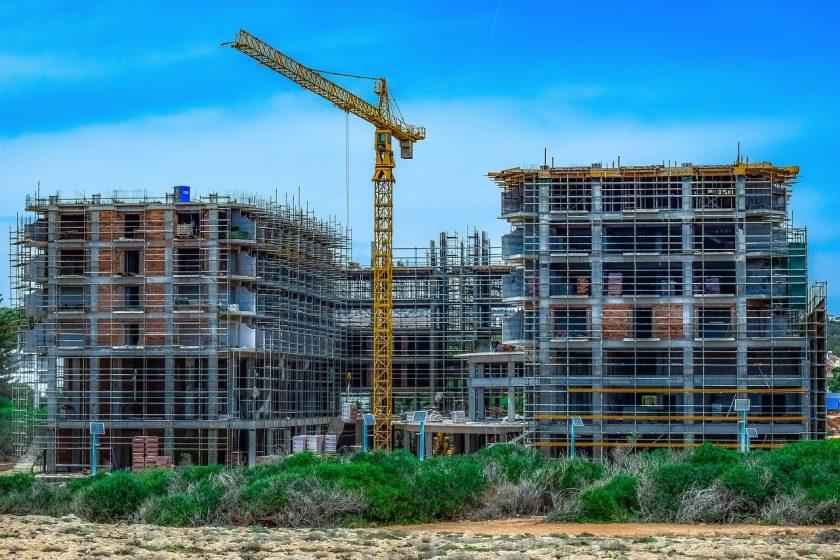 Sprzęt do przecinania materiałów budowlanych