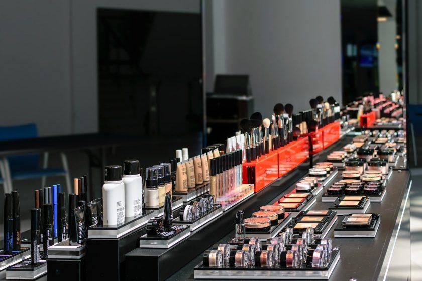 Zabiegi pielęgnacyjne w salonie kosmetycznym