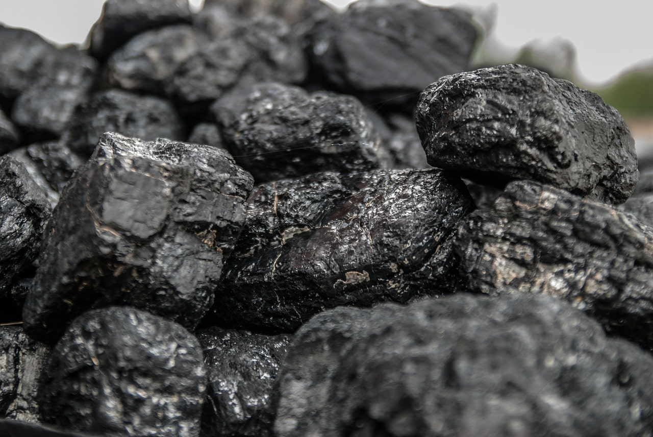 Dlaczego opłaca się kupić droższy węgiel?